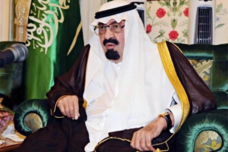 """بالفيديو .. فتاة ترسم بأناملها صورة للملك الراحل """" الى جنة الخلد ياملكنا """" عبدالله """""""
