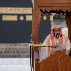 بالصور : محافظ #الأحساء يؤدي صلاة عيد الأضحى المبارك مع جموع المصلين