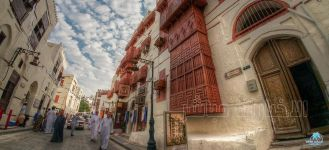 لمخالفته الإجراءات الاحترازية .. #أمانة_جدة تغلق سوق شعبي بالمنطقة التاريخية