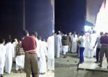 بالفيديو ..  مشاجرة بين سعوديين ويمنيين داخل أحد المطاعم في #الأحساء