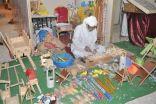 """صانع الألعاب الخشبية """" الشيخ """" : في منزلي أشياء نادره من صنع يدي كبيره الحجم"""