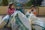 اكثر من 7000 قطعة شتوية وزعتها الحملة الوطنية السعودية على اللاجئين السوريين في لبنان