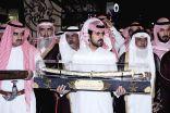 """ملحمة وطنية تلتف حول الشاب مشاري الوزيه لتكريمه بعد إنقاذ الطفلة """" الهنوف الدوسري """""""