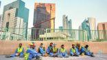 العمال المهاجرون يتوسلون للحصول على الطعام بعد تخلي حكومة #قطر عنهم