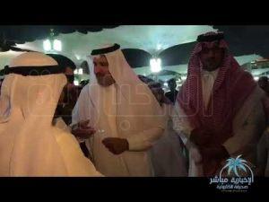 لمسة وفاء من أمير المدينة لمصاب بحادث استهداف المسجد النبوي