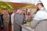 وزير الشؤون الاجتماعية يزور جناج بر الأحساء في الجنادرية
