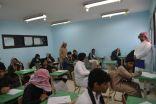 بالصور .. ثانوية العيون تستفبل طﻻبها في اول يوم امتحانات