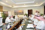 امين الشرقية يستعرض برامج ومشاريع الامانة امام لجنة التنمية المحلية