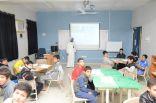 بالصور .. معلم يجهز غرفة تقنية خاصة لتدريس اللغة الإنجليزية