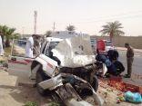 إصابة 6 وافدين في إرتطام  مركبتهم بنخله