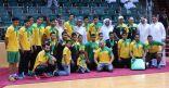 """عضو ادارة اﻻتحاد السعودي لكرة اليد """" العيد """" يتوج نادي الخليج بدرع الممتاز لليد"""