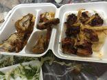 """في #الأحساء : مواطن يوثق بالصور وجبة عشاء برائحة  """" الكيروسين """""""