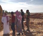 بالصور .. رئيس مركز صوير يتفقد مشاريع درء أخطار السيول .. ويعزى أسرة الخضع