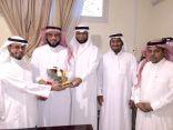 نادي الحي بمدرسة الأمير سعود بن جلوي يكرم الفائزين بوسام النادي للعام ٢٠١٥