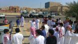 100 طالب يشاركون في حملة (بيئتنا حياتنا) التي تنظمها بلدية غرب الدمام