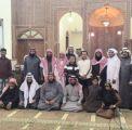 بالصور .. فلبيني يشهر إسلامه في أحد مساجد مدينة العيون