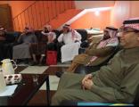 بالصور .. مدير مركز التنمية الاجتماعية بالأحساء يزور اللجنة بالعيون