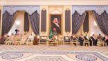"""بالصور .. """" الملك """" يستقبل الرئيس العام لرعاية الشباب ومسؤولي الرئاسة ورؤساء الأندية الرياضية"""