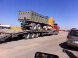 أمانة منطقة الرياض تحجز وتوقف (22) شاحنة ومعدة مخالفة