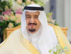 خادم الحرمين للمواطنين والمقيمين: أقدر بشكل كبير قضاءكم العيد في بيوتكم